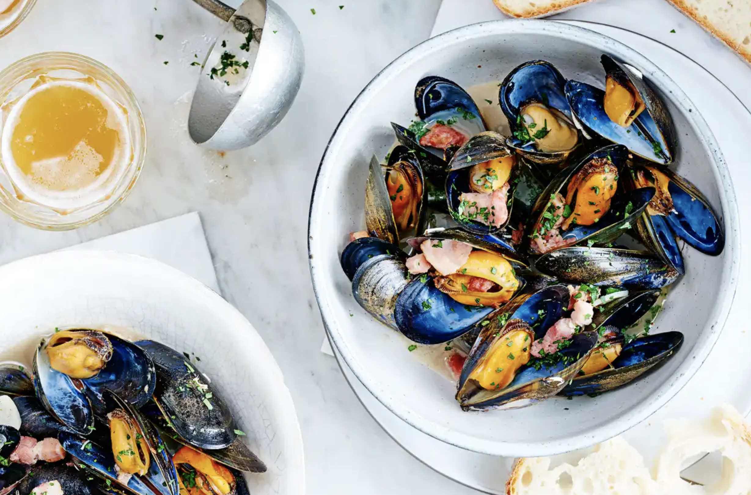 Mussels with wheat beer and bacon